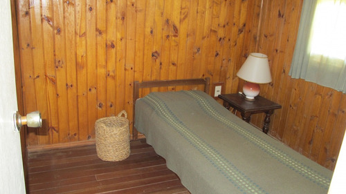 punto río | cabaña de madera en anaconda