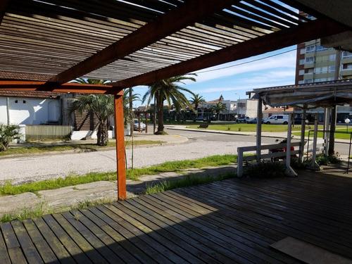 punto río   local comercial a metros de avenida solari