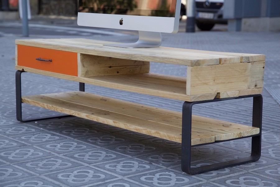 Rack de tv estilo industrial hierro y madera pallets for Muebles industriales madera y hierro