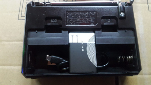 radio portatil  bateria  recargable // 220//pilas // am/fm/