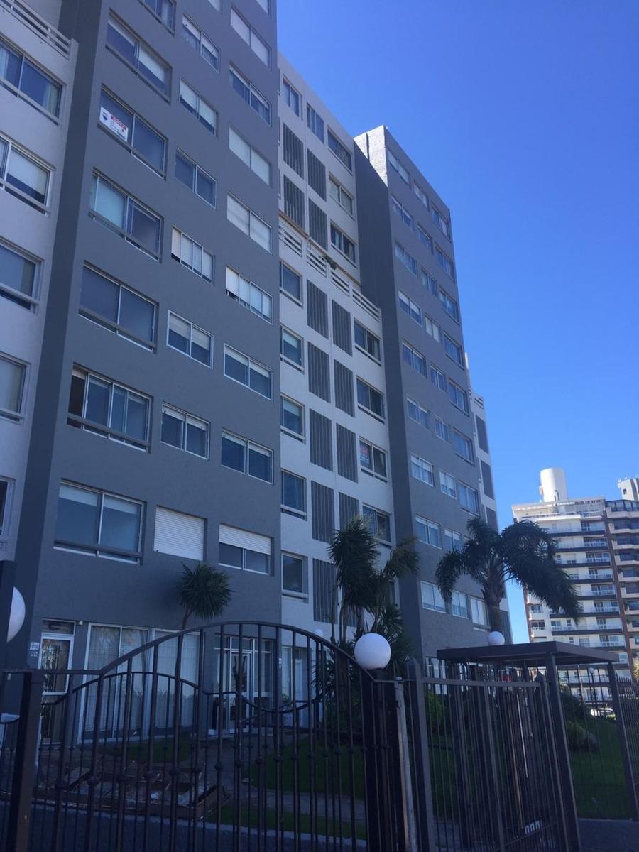 rambla apartamento excelente vista.