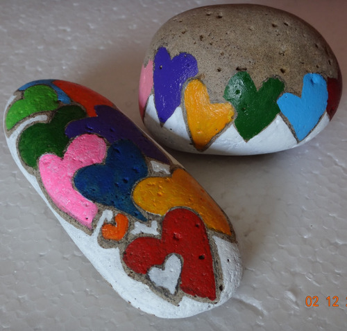 regalo original colorido pintura en piedra pisa papel gatos