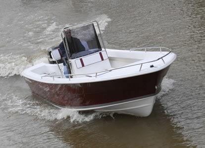 regnicoli pescador 630 c/evinrude etec 115hp