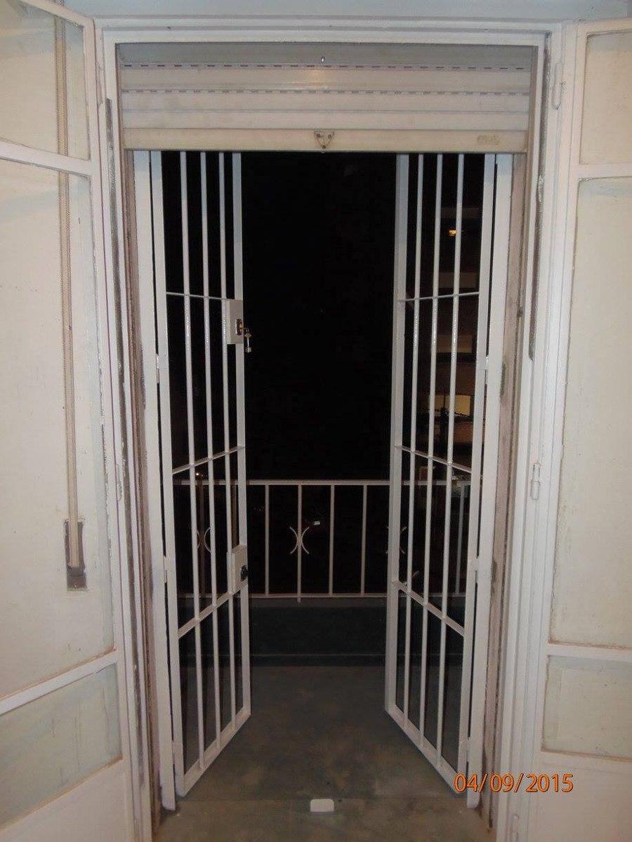 Rejas puertas portones herreria aluminio mamparas y for Puertas ventanas de aluminio medidas