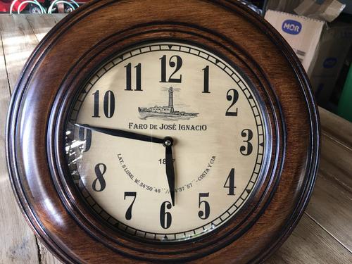 reloj tipo antiguo faro josé ignacio punta del este campana