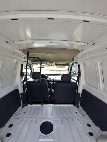 renault kangoo furgon 2016 83 mil km. buen estado