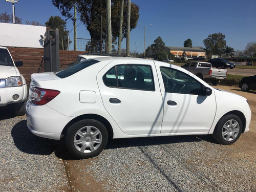 renault logan 1.6 authentique plus 2015 pto/financio!