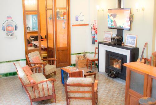 residencia estudiantil, hogar de estudiantes universitarios