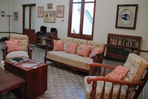 residencia universitaria , hogar estudiantil