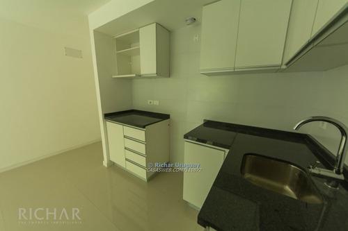 richar uruguay ~ apartamento en alquiler - piso alto, gge