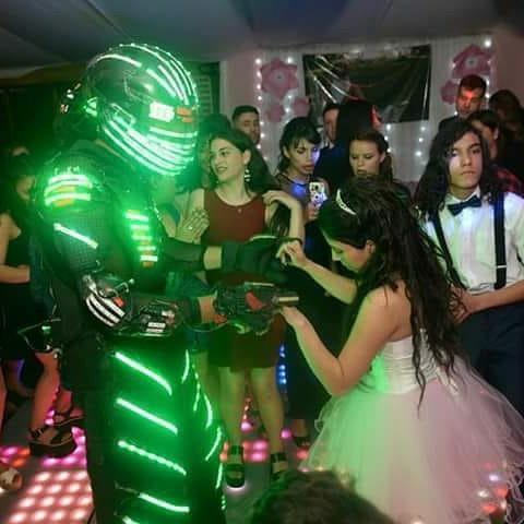 robot led , bandas musicales y efectos para tus 15 soñado