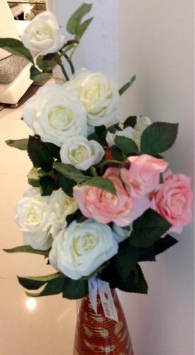 rosas vara con tres rosas. flor artificial