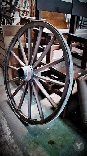 rueda de carreta muy buen estado diametro 1m50cm