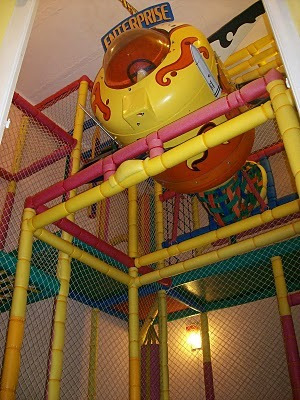 salón alboroto fiestas infantiles servicio básico o integral
