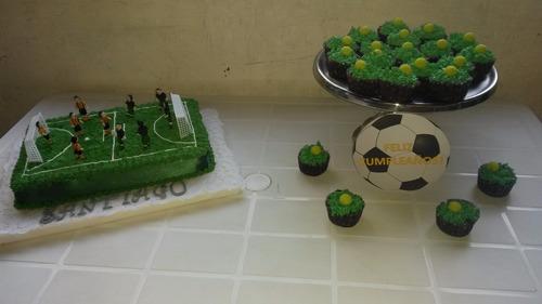 salón de cumpleaños con cancha de futbol 5 y parrillero!!!