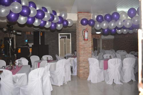 salón de fiestas diseñado tanto para niños como para adultos