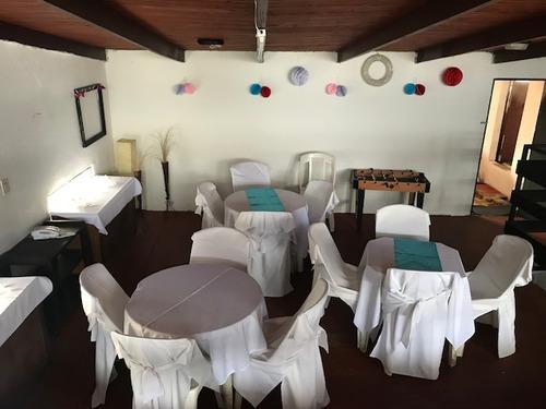 salon  en el cerro ideal para  fiestas o  eventos.