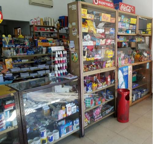 salon,papeleria,kiosco familiar c/buena renta sobre avenida