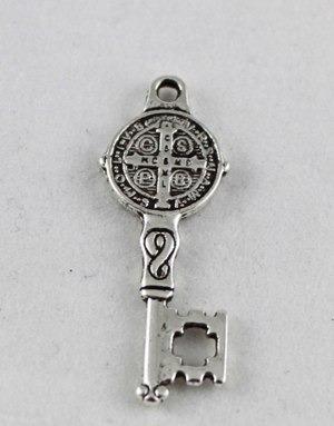 80c45e42b13 San Benito Medalla Con Llave Proteccion Apertura Plata Tibet -   150 ...