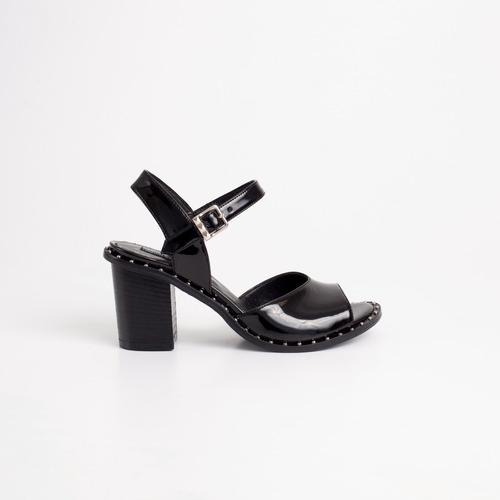 sandalia de charol. art malaga. otro calzado