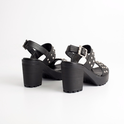 sandalia de plataforma de cuero. art docabo. otro calzado.