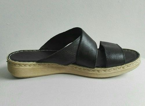 sandalias en cuero cosidas número 39