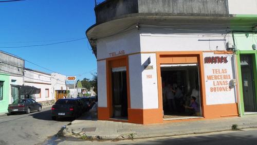 sauce - canelones, s/ avenida se vende local y vivienda