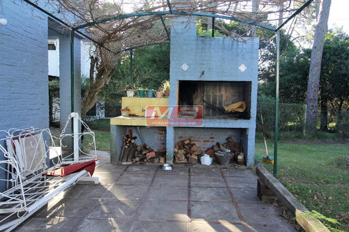se alquila casa por temporada en barrio country - piriápolis