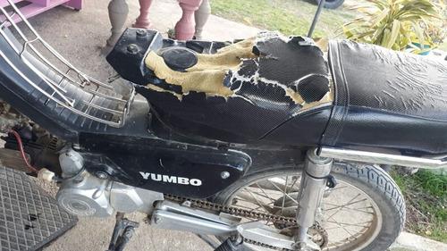 se tapizan asientos de motos y butacas de autos