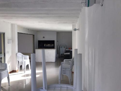 se vende local/vivienda en barrio lausana