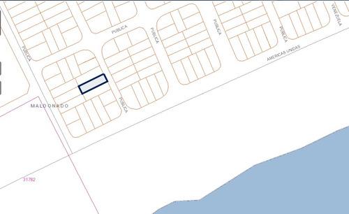se vende terreno en punta negra, excelente ubicación.