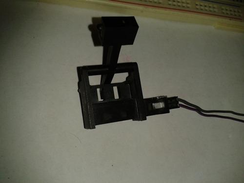 sensor magnetico son palanca/magneto para accionarse.