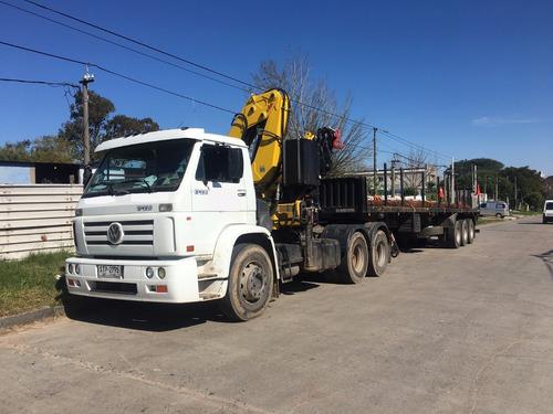 servicio de camión con grúa carga de hasta 25t.