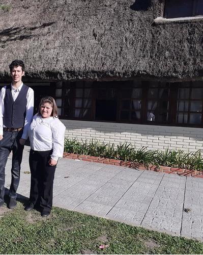 servicio de mozos emiliano castro & silvana nuñez