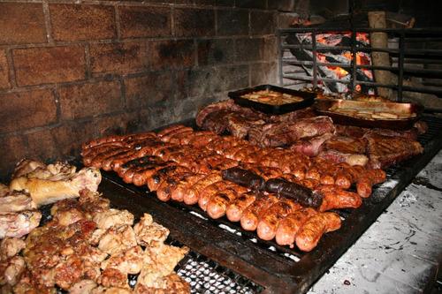 servicio de parrilla, kebab (shwarma) y pizzas a la parrilla