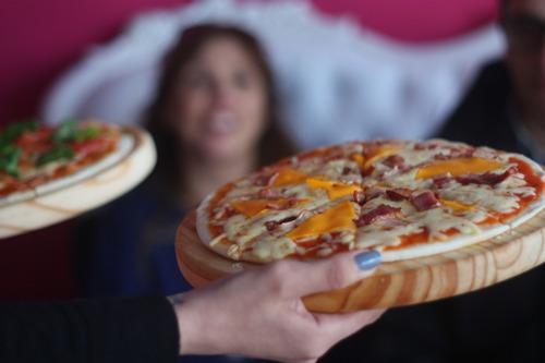 servicio de pizzas clásicas - catering artesanal pizza show