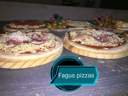servicio de pizzas , eventos , fiestas , y re venta.