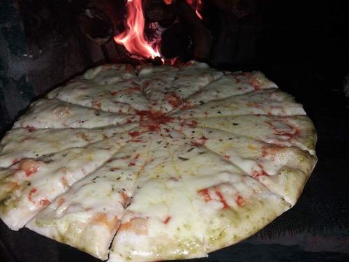 servicio de pizzas libres a la parrilla chivito mozos asador
