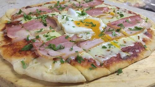 servicio pizzas a la parrilla chivitos calzones mozos