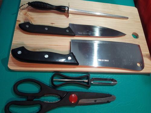 set cuchillas,chaira + tabla picar + accesorios nuevo