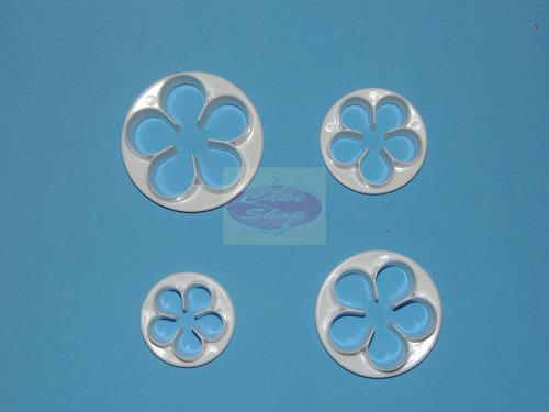 set de 4 cortantes de flores