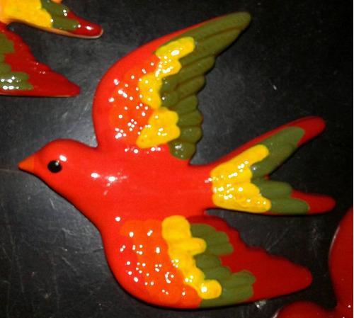 set de pájaros aves golondrinas para colgar pintados a mano