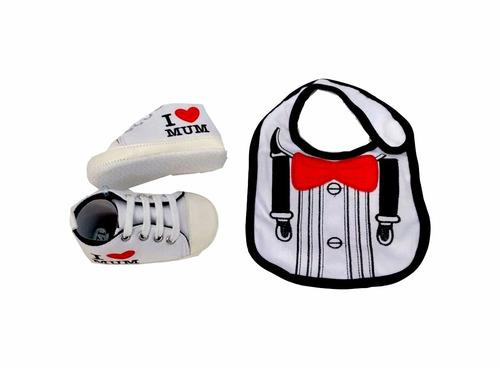 set de zapatos + babero para bebé varón bazar de oriente
