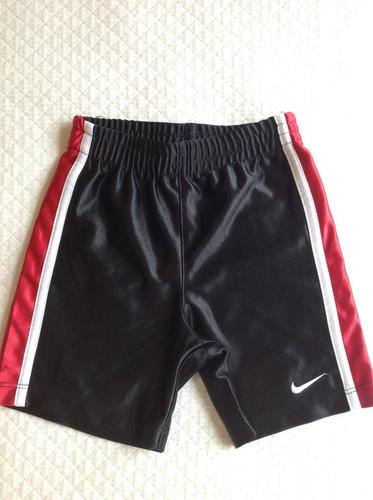 short niño, tipo basket, talle 18 meses, negro y rojo.