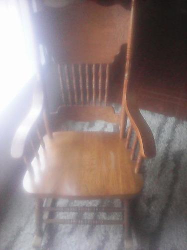 silla mecedora de roble