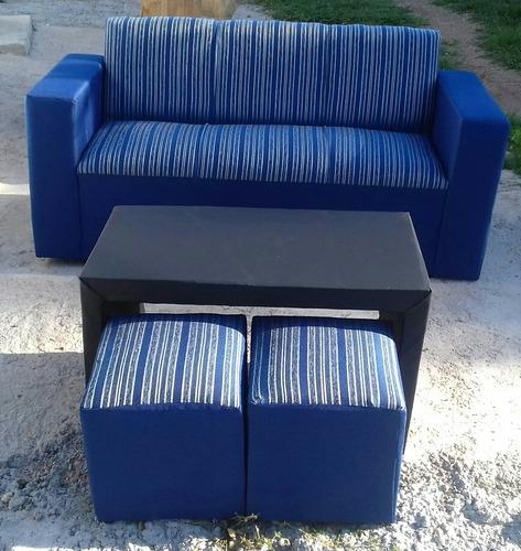 sillón 3 cuerpos con mesa y puff
