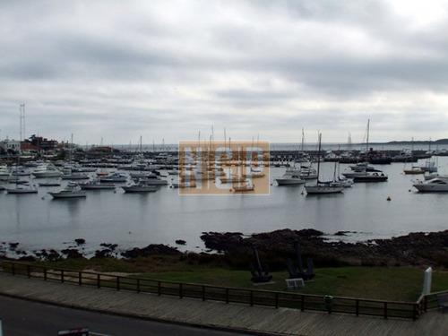 sobre el puerto,excelente vista al mar  - ref: 4602