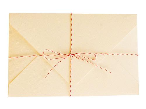 sobres especiales color manteca texturado 240grs 15,2x15,2