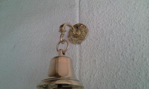 soporte de bronce