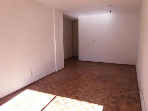 soriano y quijano. amplio y soleado con garaje